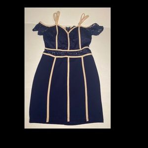 Contrast piping dress